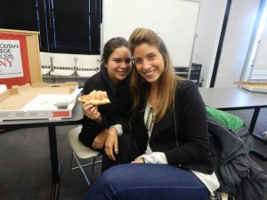 Students enjoying pizza